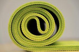 tapis de yoga : avis et comparatif complet