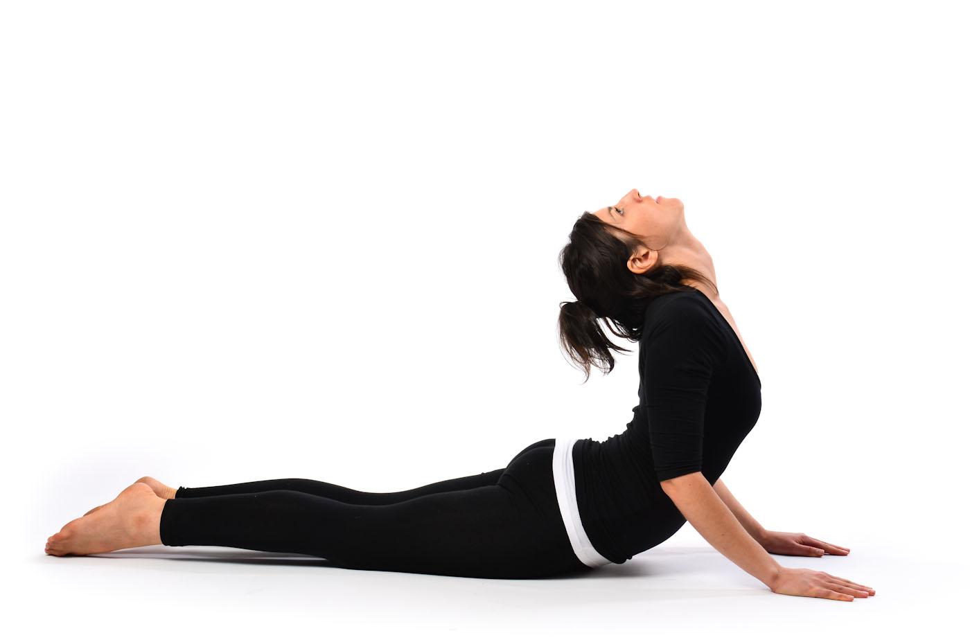 posture yoga le cobra
